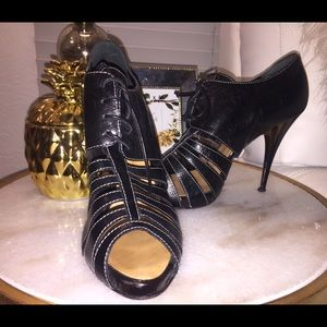 Giuseppe zanotti cage booties size 8 *Authetic*